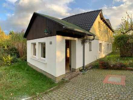 Schönes, geräumiges Haus mit vier Zimmern in Berlin, Biesdorf (Marzahn)