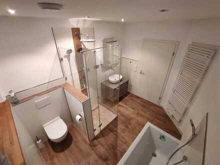 Hammer Dachterrasse: stilvolle neuwertige gehobene 3-Zimmer-Wohnung in Hiltenfingen