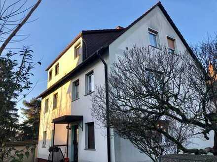 Auerbach ** Solides 3-Familienhaus in gesuchter Lage