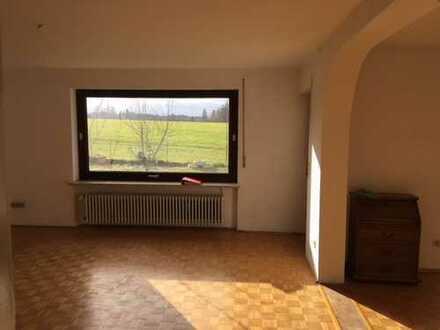 Schöne,Erdgeschosswohnung mit vier Zimmern ,Küche,Bad,WC im Ostallgäu (Kreis), Marktoberdorf
