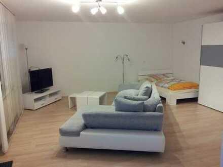 1 Zimmer Souterrainwohnung komplett renoviert Lu-Oppau