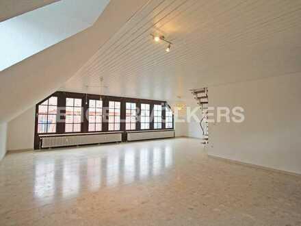 Reduziert: Zentrale Dachgeschoss-Maisonette!