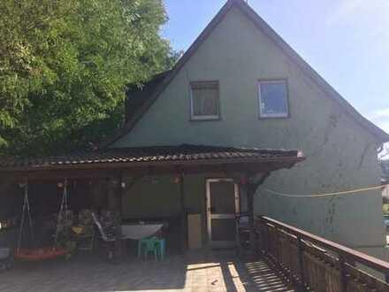 Vermietetes Einfamilienhaus mit großer Doppelgarage in Lautzkirchen