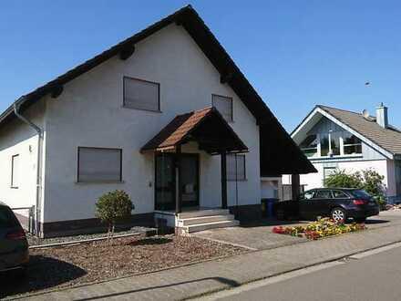 Schönes, geräumiges Haus mit vier Zimmern in Alzey-Worms (Kreis), Wöllstein