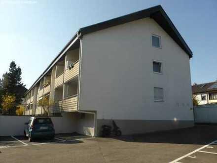 Reserviert!!!Gepflegte 2-Zimmerwohnung mit Balkon in Bad Cannstatt