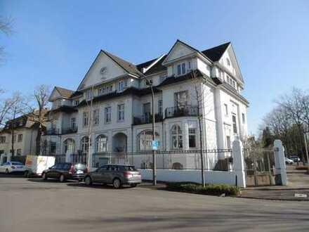 Wunderschöne 3-Zimmer-Altbauwohnung in Rüngsdorf