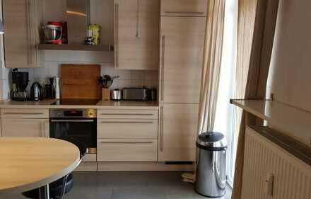 Suche Mitbewohner/in in schöner 140m² Masionette Wohnung in der Innenstadt