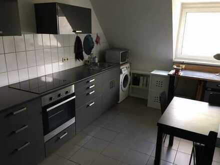 Helle 2-Zimmer-Wohnung mit EBK Mittenin Ehrenfeld, nähe Körnerstrasse