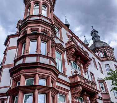 Atemberaubende Altbau-Maisonettewohnung mit Rheinblick!
