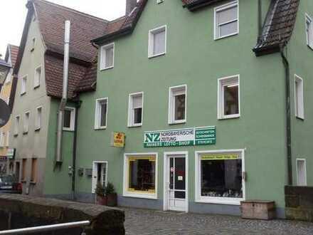 Zwei Wohn- und Geschäftshäuser, Nähe Stadttor in Hersbruck