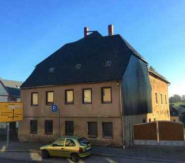 Sie suchen eine neue Herausforderung? Sanierungsbedürftiges Mehrfamilienhaus in Oederan zu verkaufen