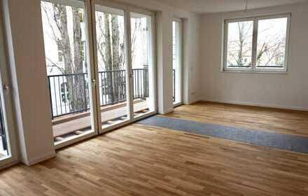 Bild_Erstbezug: hochwertige 1-Zimmer-Wohnung mit Einbauküche und Balkon