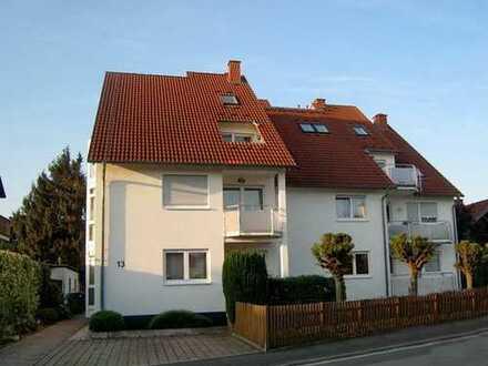 Hochwertige, helle 4-Zimmer-Maisonette-Wohnung mit Balkon und Loggia in gepflegtem Neun-Familienhaus
