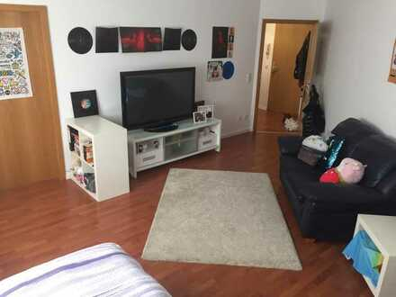 Stilvolle, geräumige und gepflegte 1-Zimmer-Wohnung mit Balkon und Einbauküche in Landsberg am Lech
