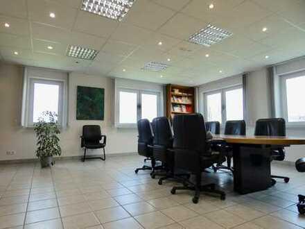 Wohnen und Arbeiten vereint! Repräsentative Immobilie in ruhiger Lage (Pforzheim)