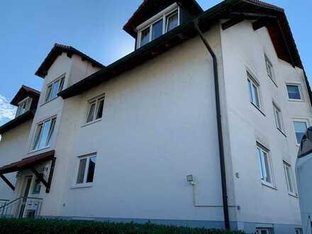 schöne gepflegte 3-Zimmerwohnung mit ausgebautem Dachstuhl und Balkon