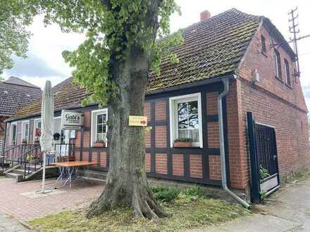 Dreiseitenhof mit ehemaliger Gaststätte/ Fachwerkhaus zu verkaufen