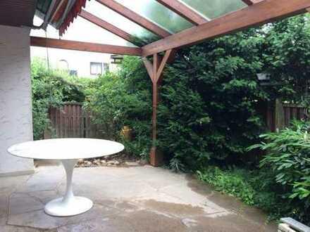 Schöne 4-Zi-EG-Wohnung in 2 Fam-Haus mit Terrasse und Garten in guter Wohnlage