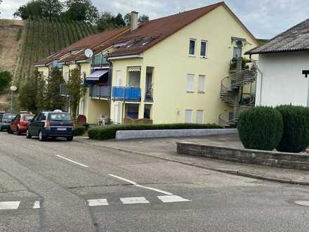 Gepflegte 2-Zimmer-Wohnung mit Balkon und EBK in Sulzfeld