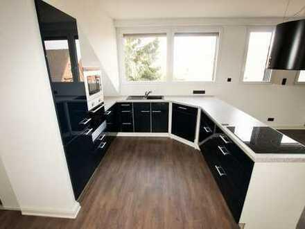 Moderne Dachgeschosswohnung für Paare oder Singles