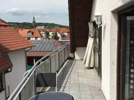 Gepflegte 2-Zimmer-DG-Wohnung mit Balkon und Einbauküche in Grünstadt