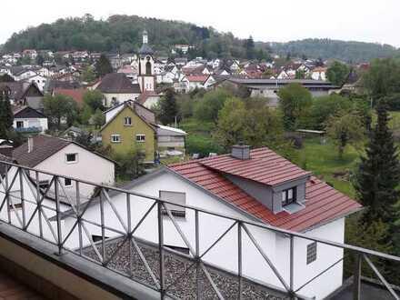 3-Zimmer-Dachwohnung in Whm.-Lützelsachsen inkl. Dachloggia mit herrlichem Ausblick von Privat