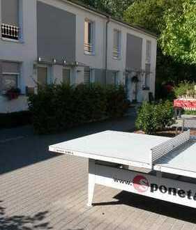 VOM PRIVAT: Modernes Energiesparhaus mit Sonnenterrasse, Garten und Gartenhütte Rheinmittelhaus in Z