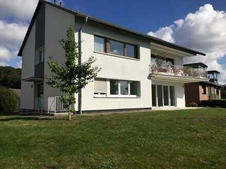 Erstbezug nach Sanierung. Exclusive Wohnung mit Balkon in Odenthal
