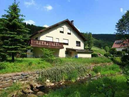 1-2 Familienhaus zur Miete mit großem Garten, Garage und Stellplätzen