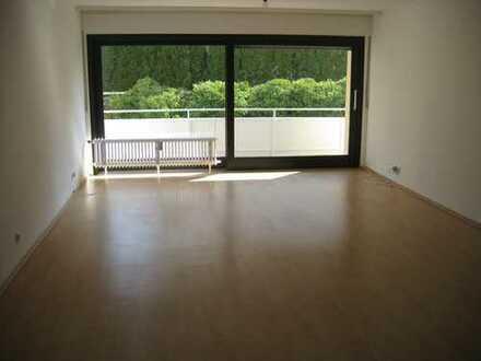 950 €, 84 m², 2 Zimmer