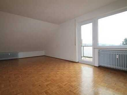 1.Monat mietfrei! Ruhige Dachgeschoss-Wohnung mit Balkon