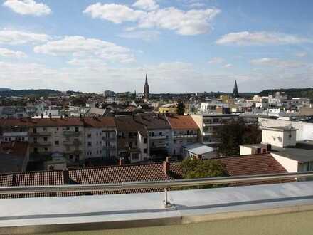 Attraktive Penthousewohnung in der City - komplett möbliert