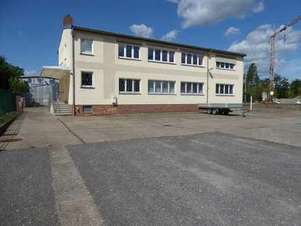 Gewerbehof mit Lagerhalle, Freilager, Werkstatt, Büros