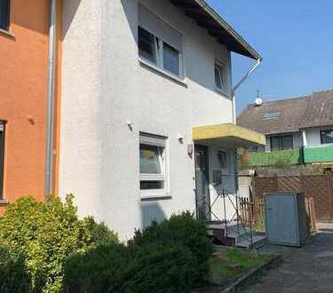Kinderfreundliches Reiheineckhaus in Brühl mit 165 m² und 5 Zimmer