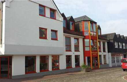 Erstbezug mit EBK: schöne 2-Zimmer-EG-Wohnung (Whg. 3) in Neustadt in Holstein