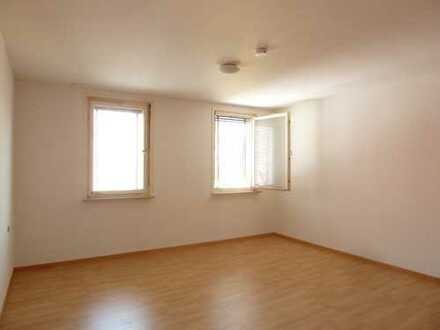 Einfaches Zimmer in einer 3er-WG in der Innenstadt von Reutlingen