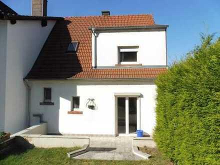 Häuschen als Eigentumswohnung, mit großem eigenen Garten!