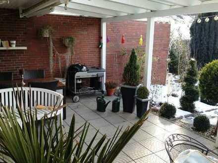 Modernisierte Doppelhaushälfte mit Garage in bester Wohnlage