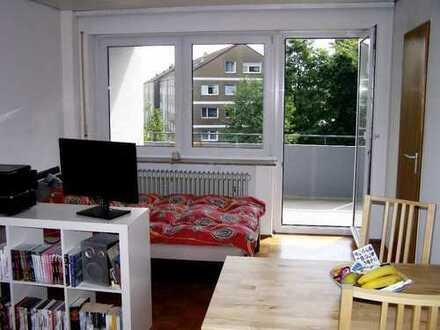 Schöne, geräumige ein Zimmer Wohnung in Pfuhl