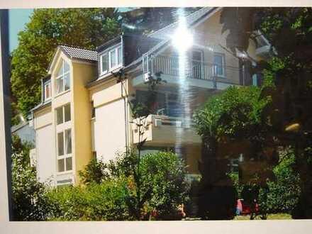 schöne 2-Zi-Whg mit großem Balkon in ruhiger aber zentraler Lage