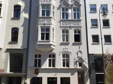 Sanierte Altbauwohnung im Belgischen Viertel