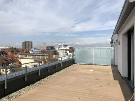 Exklusive, neuwertige 3,5-Zimmer-Penthouse-Wohnung mit großer Dachterrasse und hochwertiger EBK