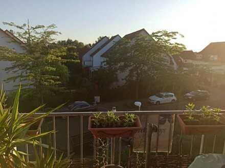 Gepflegte 2,5-Zimmer-DG-Wohnung mit Balkon in Mannheim