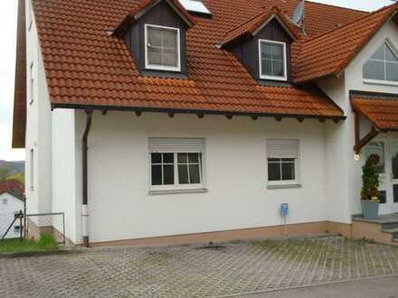 4 Zimmer Wohnung inkl. Einzelgarage, Außenstellplatz und Balkon