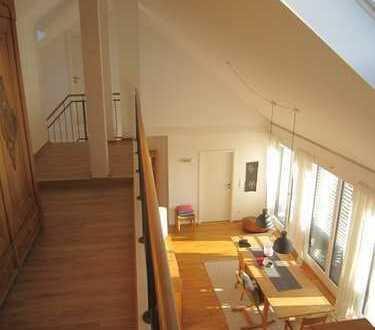 4 Zimmer DG Loftwohnung in 5-FH mit Aufzug, Loggia, Balkon