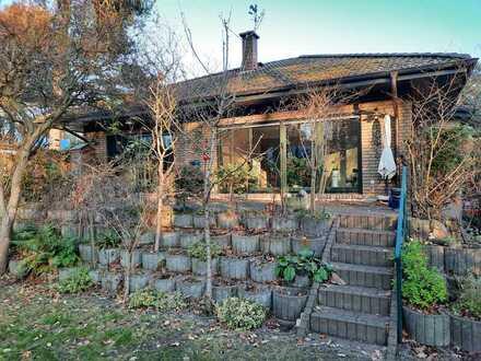 *3 Jahre befristet zur Miete* Idyllisch gelegenes großzügiges Einfamilienhaus mit traumhaften Garten