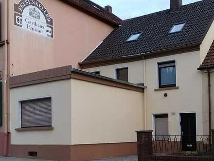 Erstbezug nach Sanierung: freundliches 5-Zimmer-Haus zur Miete in Blieskastel, Niedewürzbach