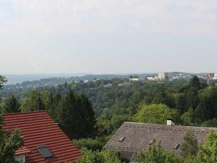 Traumblick-Dachgeschosswohnung in begehrter Halbhöhenlage von Tübingen