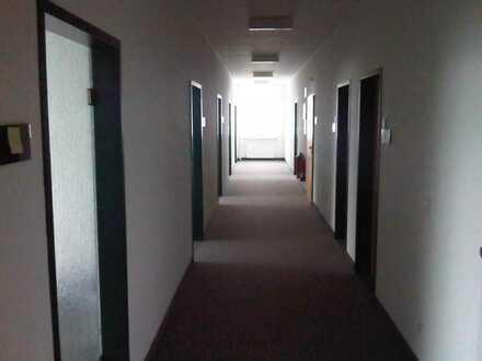Büro- oder Praxisräume in verschiedenen Größen zu vermieten