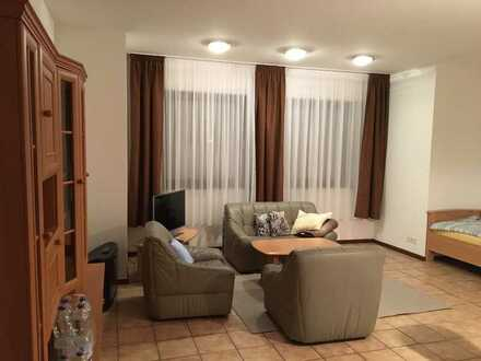 Ideal für Pendler - helles, möbliertes 1,5 Zimmer Appartment